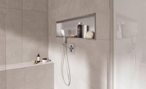 Nooit meer rondslingerende flessen in de douche!
