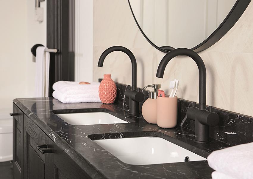 Ronde Zwarte Spiegel : Zwarte producten in de badkamer: onze favorieten inspiratie